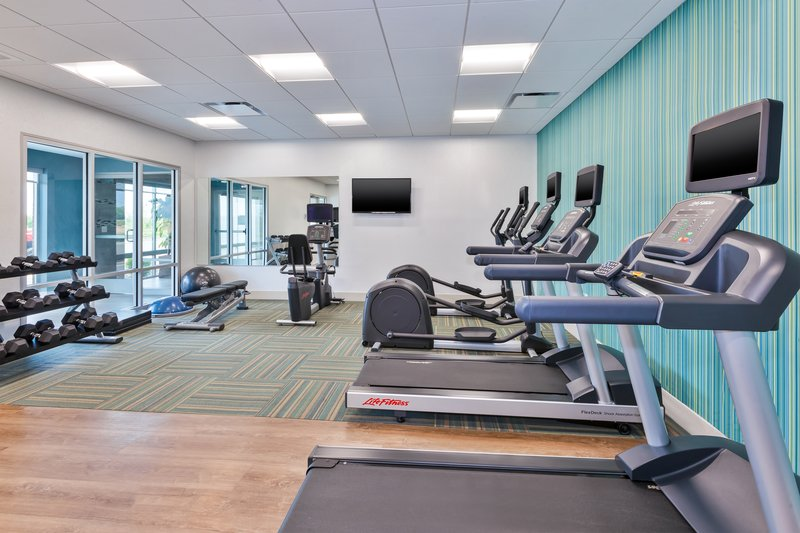 Holiday Inn Express & Suites Grand Rapids Airport - South-Fitness Center<br/>Image from Leonardo
