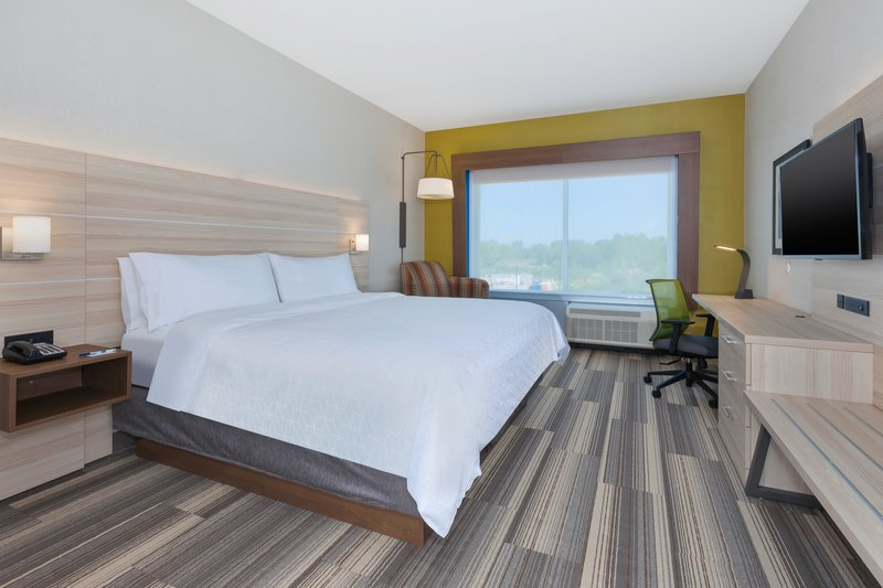 Holiday Inn Express & Suites Grand Rapids Airport - South-King Bed Guest Room<br/>Image from Leonardo