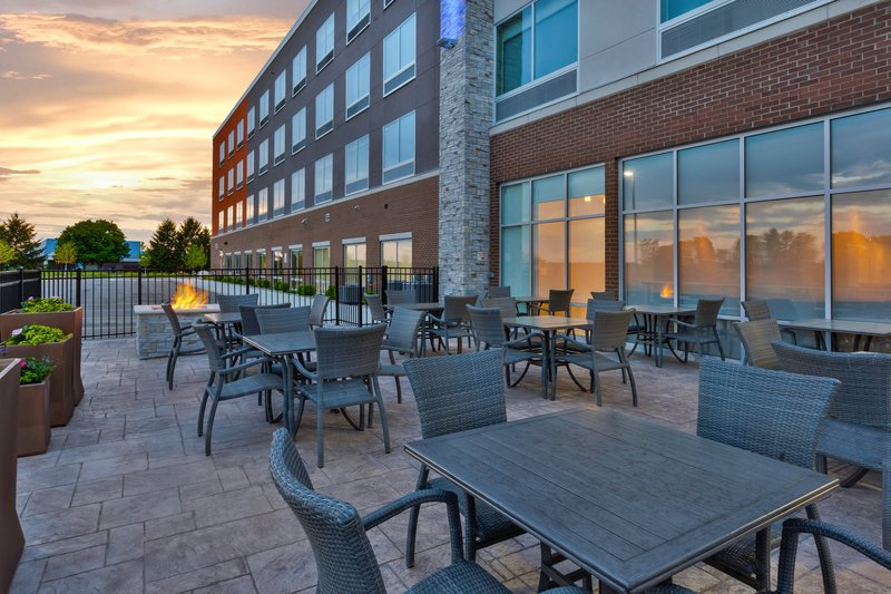 Holiday Inn Express & Suites Grand Rapids Airport - South-Guest Patio<br/>Image from Leonardo