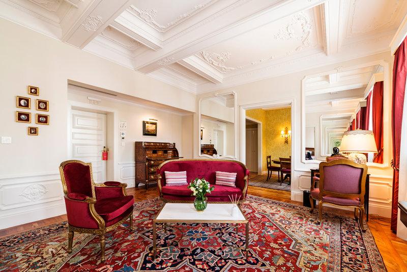 Hotel Infante Sagres-Royal Suite Living room<br/>Image from Leonardo