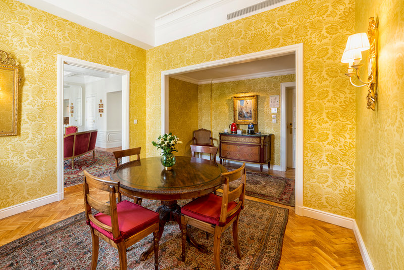 Hotel Infante Sagres-Royal Suite Dining<br/>Image from Leonardo
