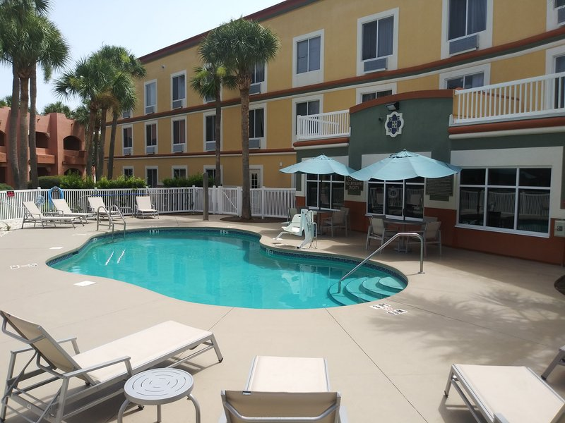 Holiday Inn Express & Suites The Villages-Swimming Pool<br/>Image from Leonardo