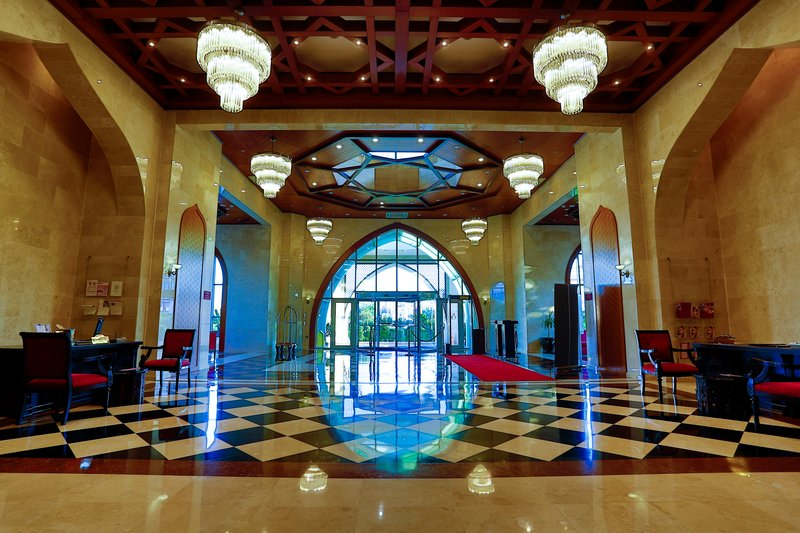 Crowne Plaza Antalya-Entrance<br/>Image from Leonardo