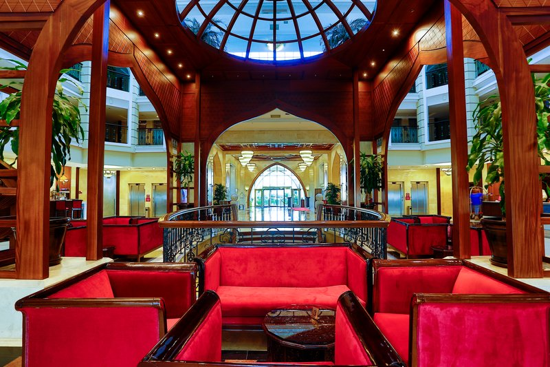 Crowne Plaza Antalya-lobby<br/>Image from Leonardo