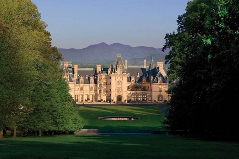 Holiday Inn Asheville - Biltmore West-Minutes to beautiful Biltmore Estate<br/>Image from Leonardo