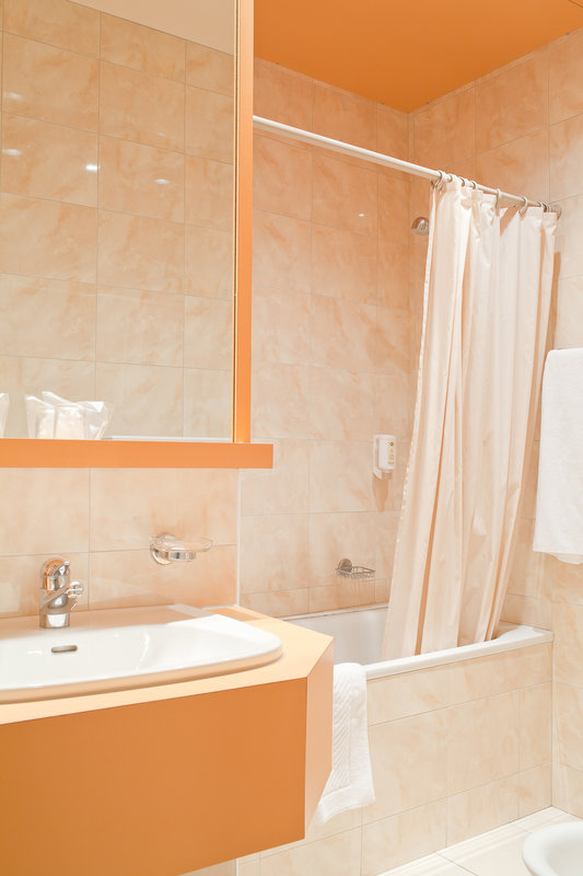 Hotel Sagitta Swiss Q-Bathroom<br/>Image from Leonardo