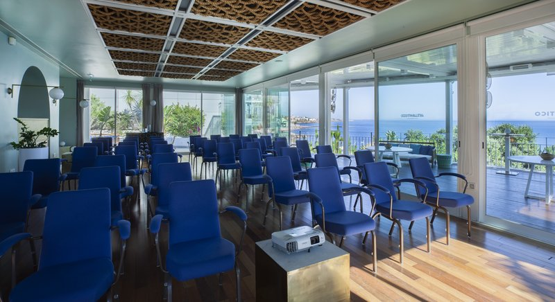 Intercontinental Estoril-Villa Atlantico Theatre Style<br/>Image from Leonardo