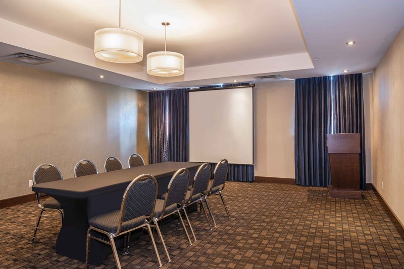 Sandman Hotel, Suites Winnipeg Airport-Meeting Room<br/>Image from Leonardo