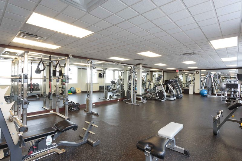 Sandman Hotel, Suites Winnipeg Airport-Gym<br/>Image from Leonardo