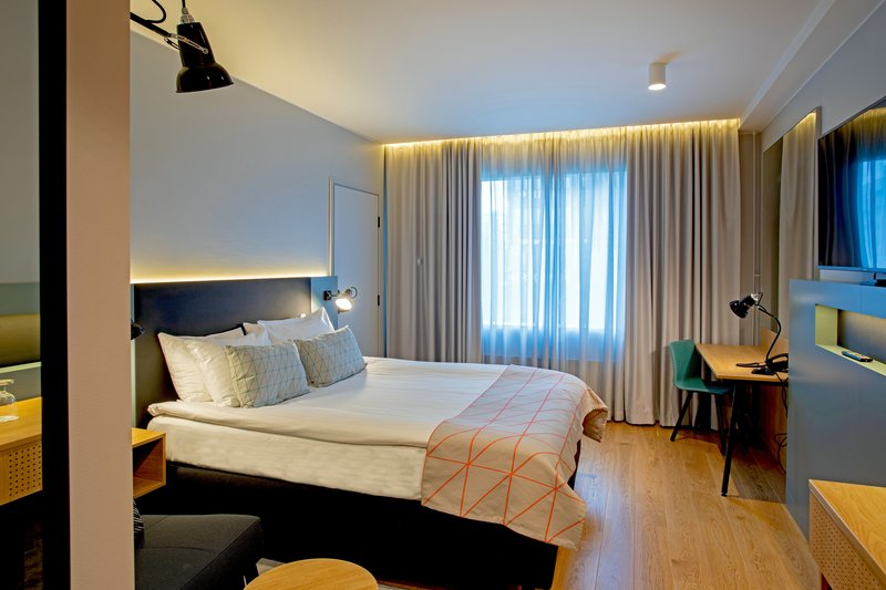 Holiday Inn Helsinki - Exhibition & Convention Centre-Bright guest rooms with free wifi<br/>Image from Leonardo