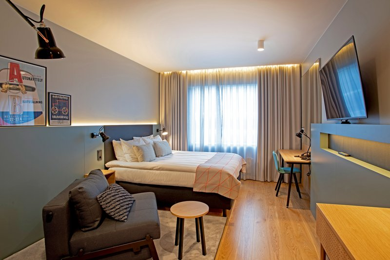 Holiday Inn Helsinki - Exhibition & Convention Centre-Modern guest rooms come with a beautiful decor and wooden floor<br/>Image from Leonardo