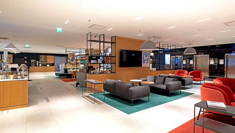 Holiday Inn Helsinki - Exhibition & Convention Centre-Our Open Lobby is like a huge living room for all guests<br/>Image from Leonardo