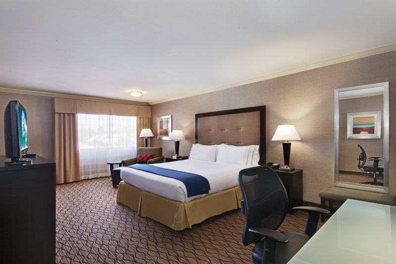 Holiday Inn Express Port Hueneme-Guest Room <br/>Image from Leonardo