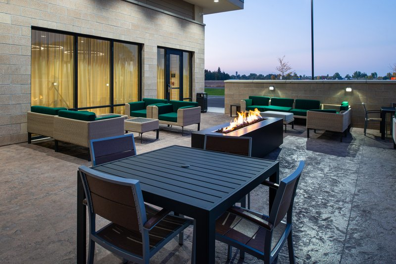 Holiday Inn Hotel And Suites Idaho Falls-Courtyard<br/>Image from Leonardo