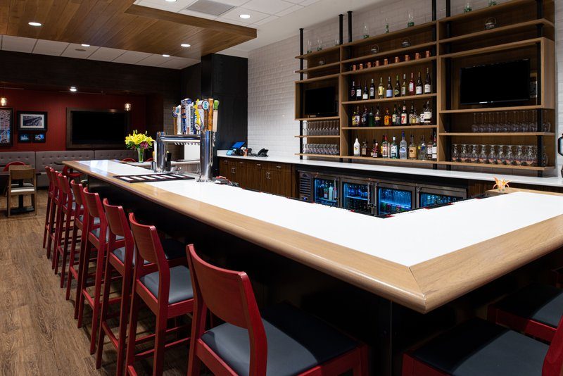 Holiday Inn Hotel And Suites Idaho Falls-Bar and Lounge<br/>Image from Leonardo