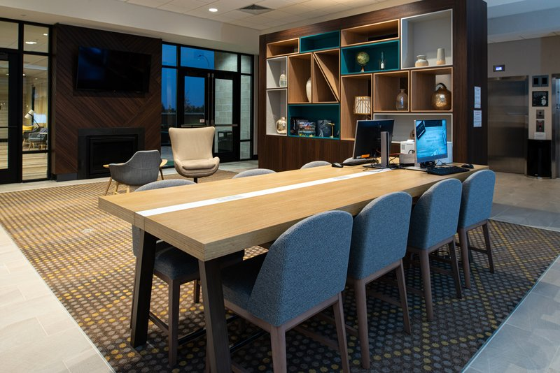 Holiday Inn Hotel And Suites Idaho Falls-Business Center<br/>Image from Leonardo
