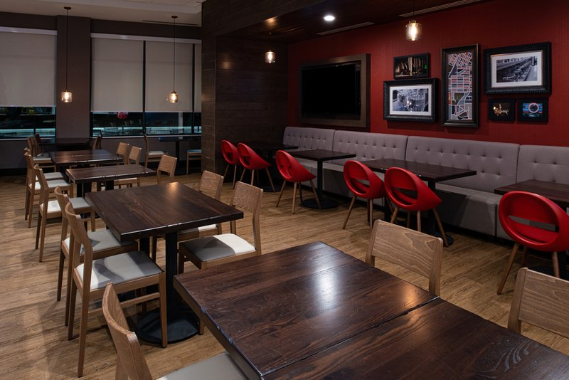 Holiday Inn Hotel And Suites Idaho Falls-Guest Dining Lounge<br/>Image from Leonardo