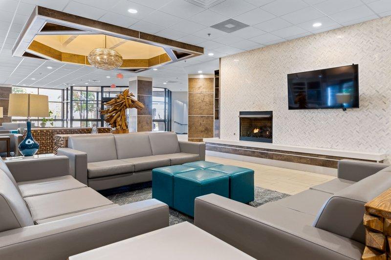 Holiday Inn Johnson City-Large sitting area of hotel lobby<br/>Image from Leonardo
