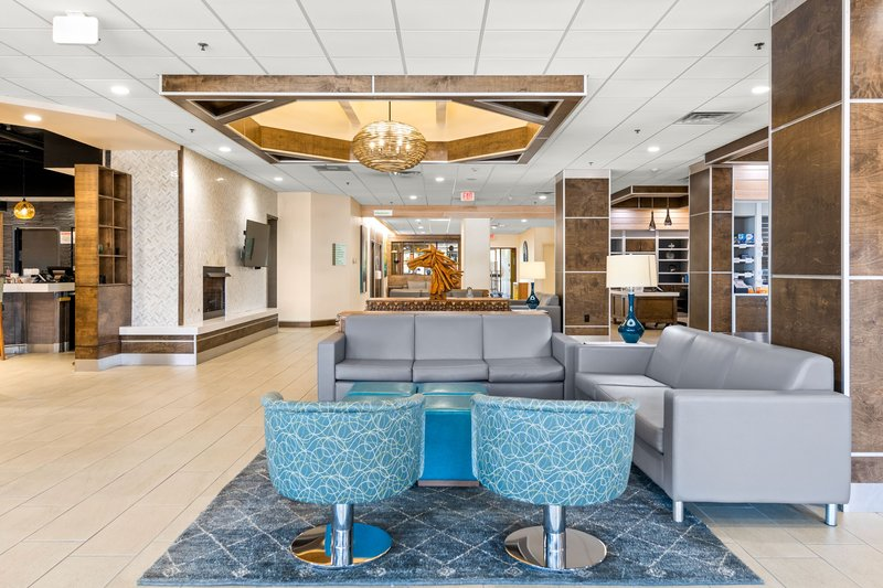 Holiday Inn Johnson City-Large lobby with lots of places to lounge<br/>Image from Leonardo