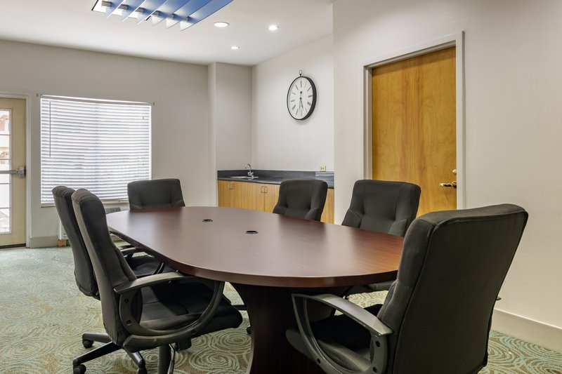 Holiday Inn Express & Suites The Villages-Meeting Room<br/>Image from Leonardo