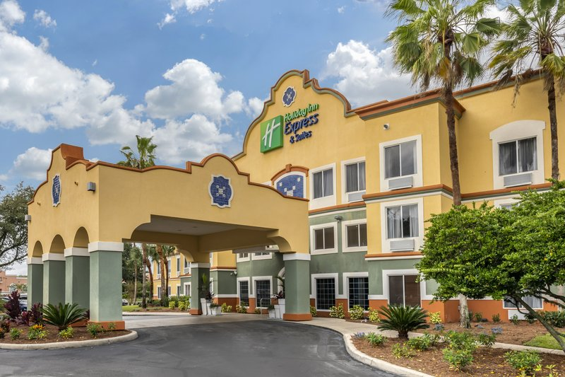 Holiday Inn Express & Suites The Villages-Hotel Main Entrance<br/>Image from Leonardo