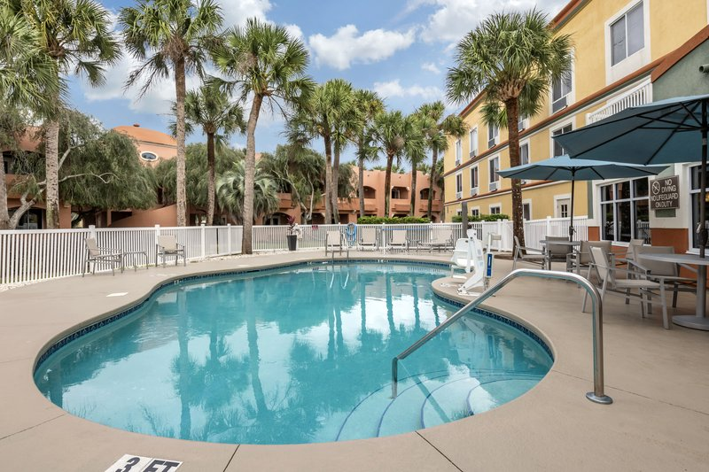 Holiday Inn Express & Suites The Villages-Relax by the Pool<br/>Image from Leonardo