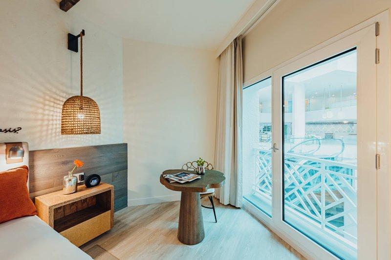 Renaissance Aruba Resort & Casino - King Guest Room - Resort View <br/>Image from Leonardo