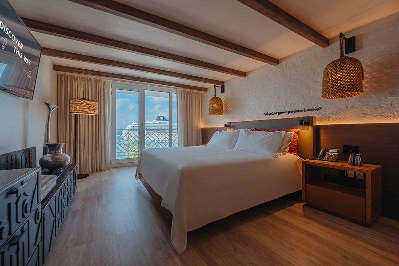 Renaissance Aruba Resort & Casino - King Guest Room - Ocean View <br/>Image from Leonardo