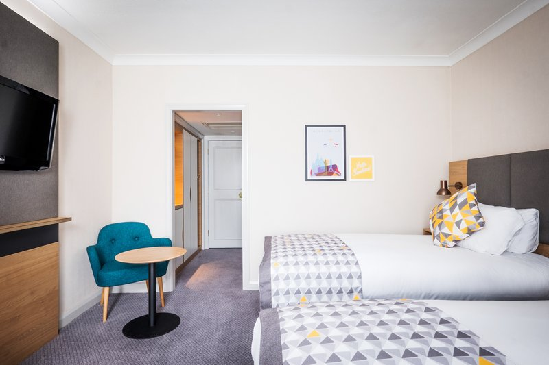 Holiday Inn Farnborough-Enjoy twin beds in your hotel room<br/>Image from Leonardo