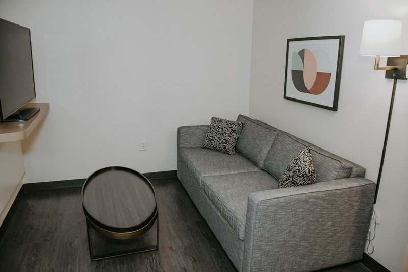 Holiday Inn Omaha Downtown-Airport-Guest Room<br/>Image from Leonardo