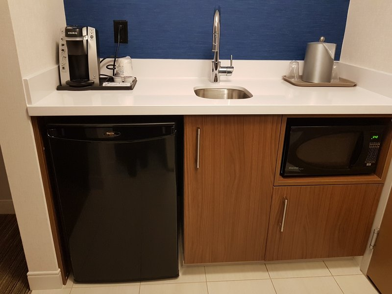 Holiday Inn Express & Suites Surrey-All Feature and Suite Rooms come with a wet bar<br/>Image from Leonardo
