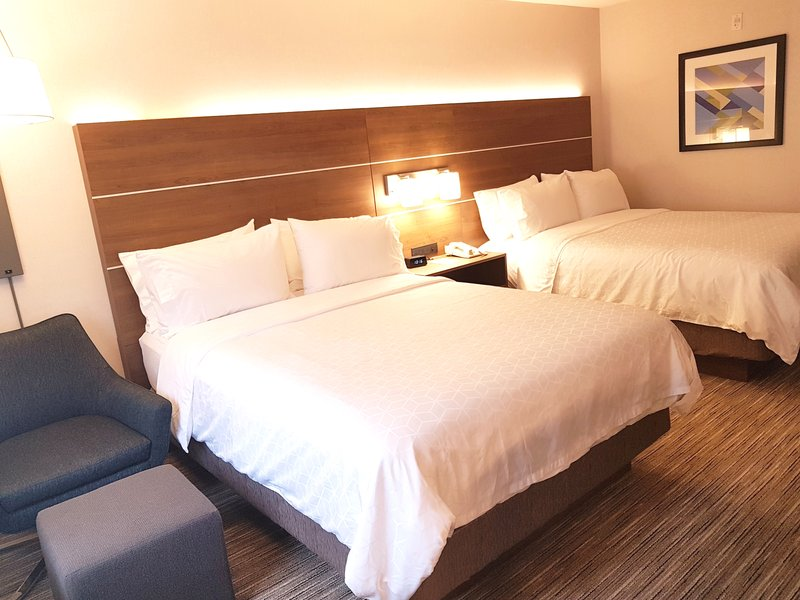 Holiday Inn Express & Suites Surrey-Holiday Inn Express & Suites Surrey Two Queen <br/>Image from Leonardo