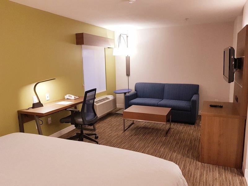 Holiday Inn Express & Suites Surrey-King Feature and Jetted Tub Suites include sofabeds<br/>Image from Leonardo