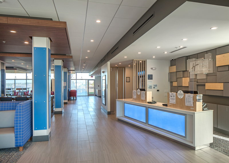 Holiday Inn Express And Suites West Omaha - Elkhorn-Entrance<br/>Image from Leonardo