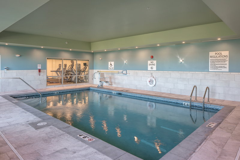 Holiday Inn Express And Suites West Omaha - Elkhorn-Indoor Pool<br/>Image from Leonardo
