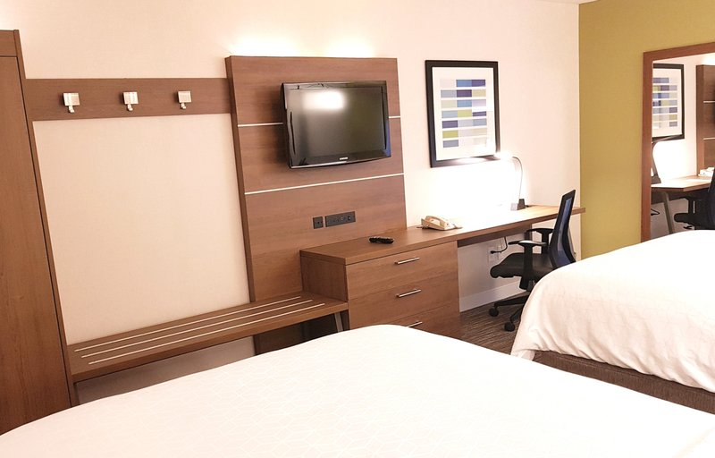Holiday Inn Express & Suites Surrey-Holiday Inn Express and Suites Two Queen Bed Room<br/>Image from Leonardo