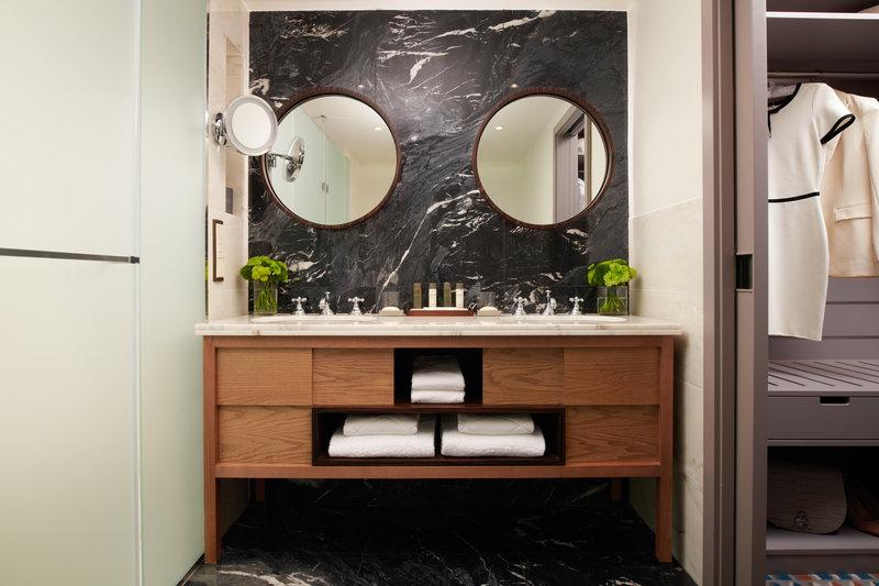 Corinthia Hotel Lisbon-Corinthia Lisbon Executive Suite Bathroom<br/>Image from Leonardo