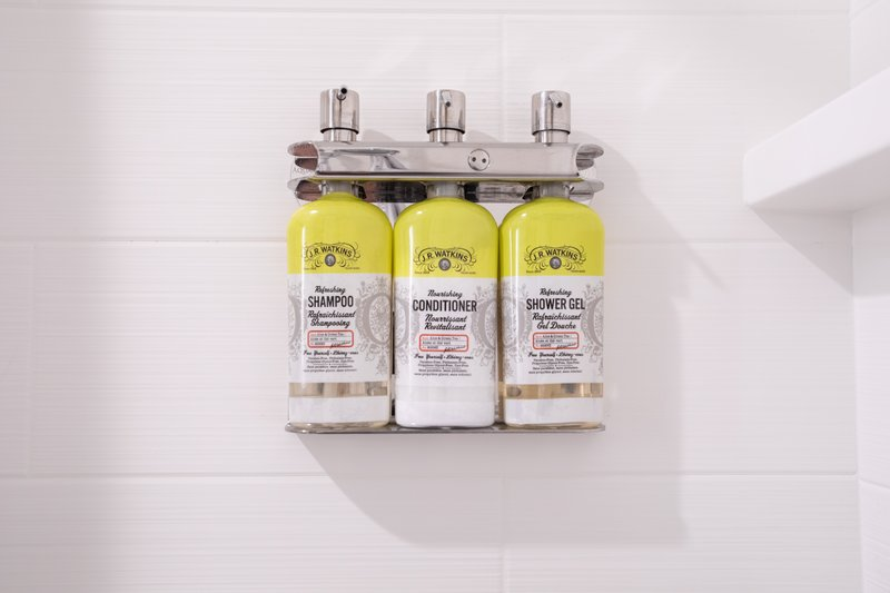Holiday Inn Express Prescott-New bulk shampoo, conditioner and shower gel!<br/>Image from Leonardo