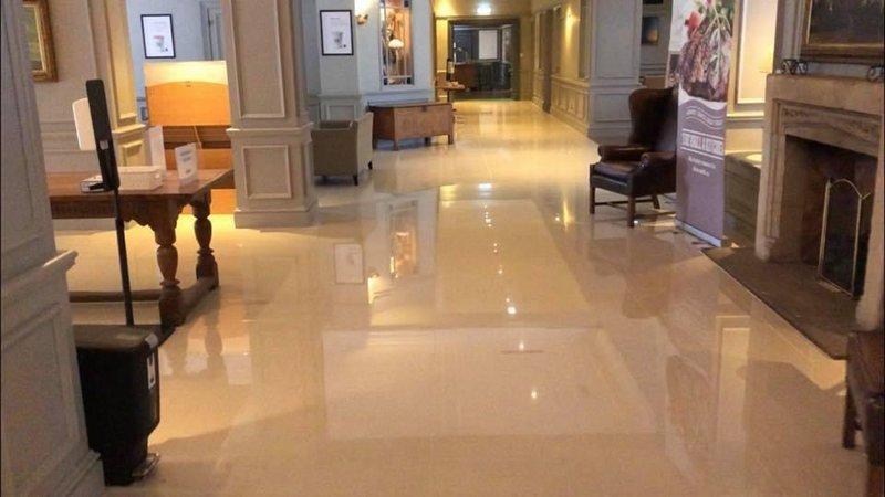 Holiday Inn Maidstone - Sevenoaks-Hotel Lobby<br/>Image from Leonardo