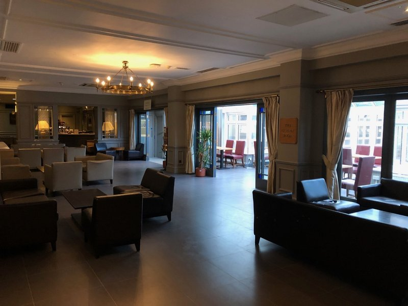 Holiday Inn Maidstone - Sevenoaks-Bar and Lounge<br/>Image from Leonardo