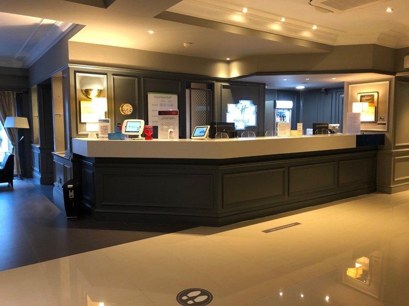 Holiday Inn Maidstone - Sevenoaks-Hotel Front Desk<br/>Image from Leonardo