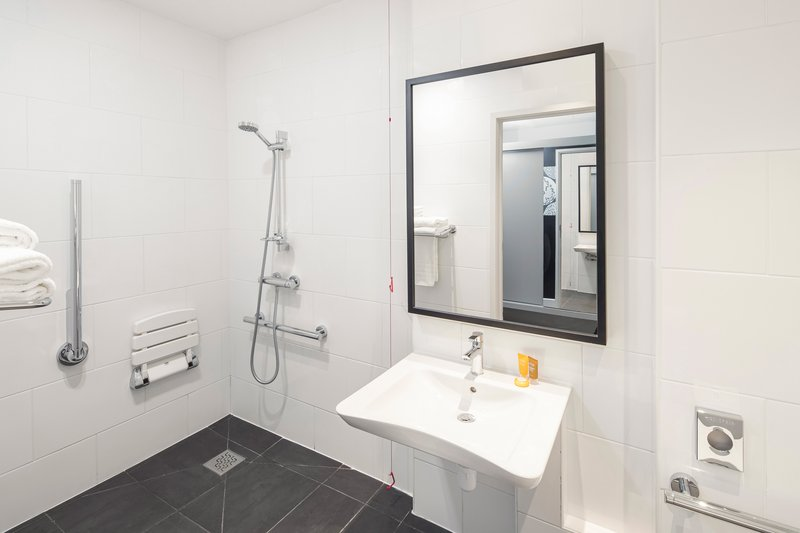 Crowne Plaza Plymouth-Accessible Guest Bathroom<br/>Image from Leonardo