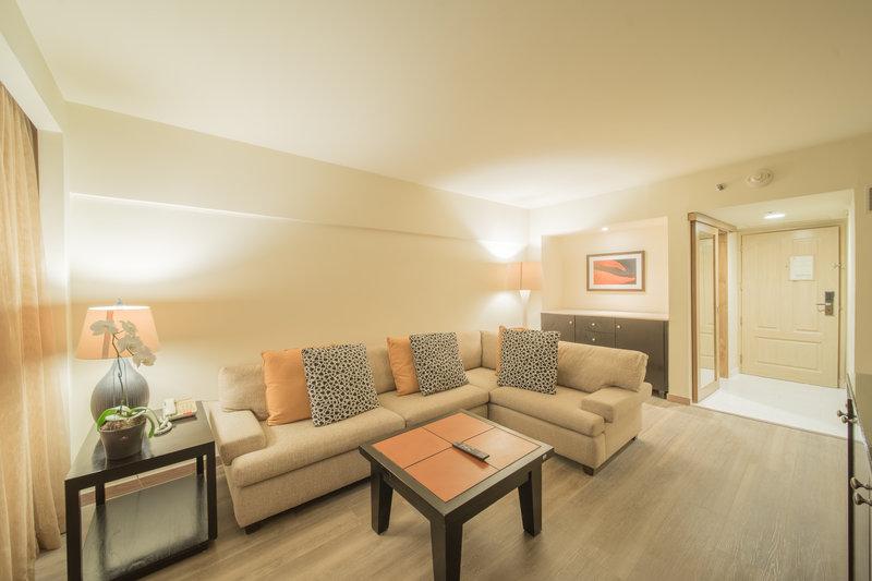 Intercontinental San Salvador - Metrocentro Mall-Junior Suite's Living Room <br/>Image from Leonardo