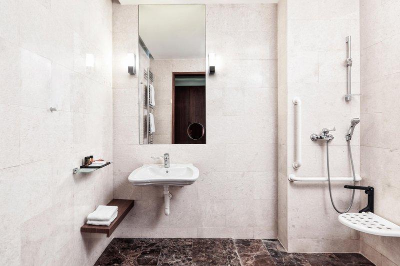 Metropol Palace Belgrade; a Luxury Collection Hotel-Accesible bathroom<br/>Image from Leonardo