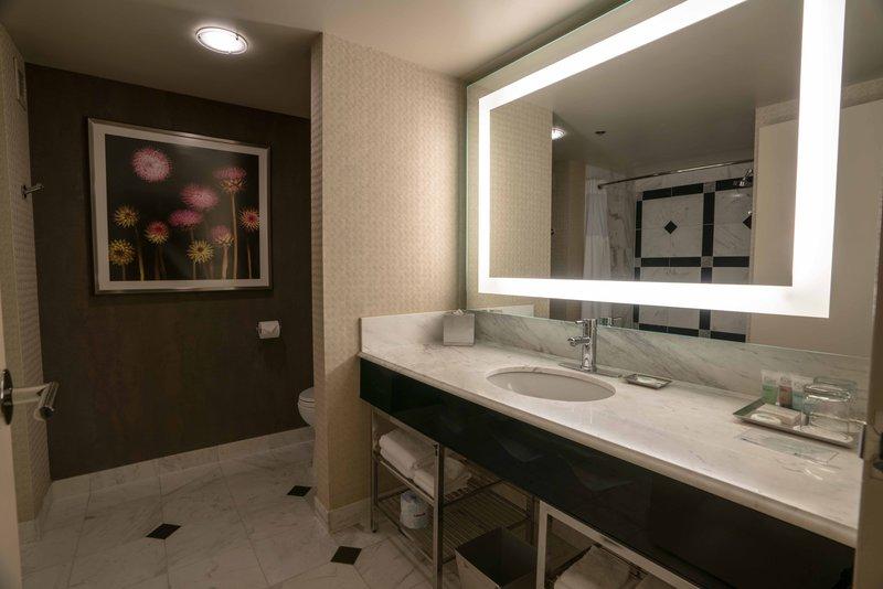 MGM Grand Hotel & Casino - Grand Two Queen Bathroom <br/>Image from Leonardo