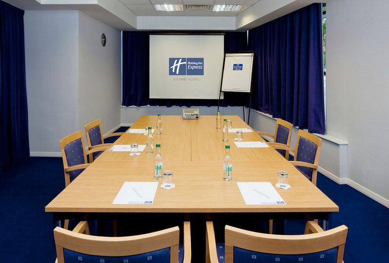 Holiday Inn Express Portsmouth - Gunwharf Quays-A small space ideal for intimate meetings or interviews. <br/>Image from Leonardo