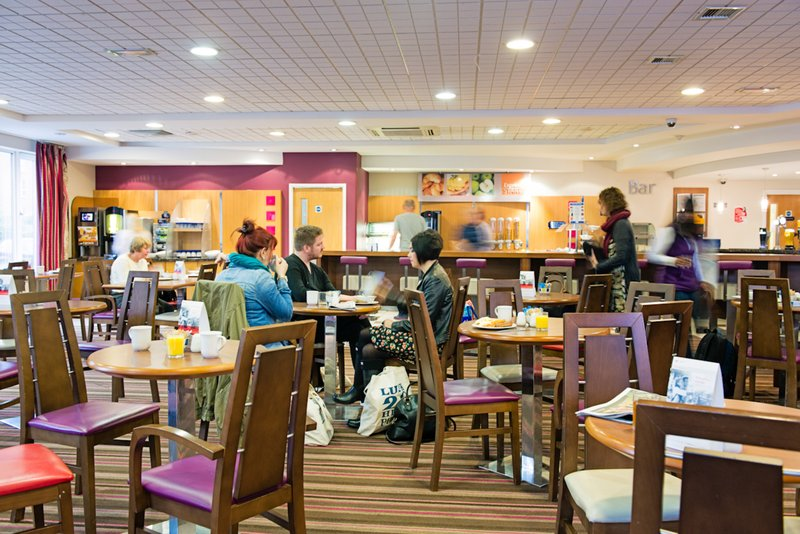 Holiday Inn Express Poole-Restaurant<br/>Image from Leonardo
