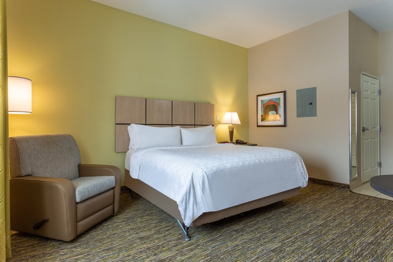 Candlewood Suites South Bend Airport-1 King Studio Suite<br/>Image from Leonardo