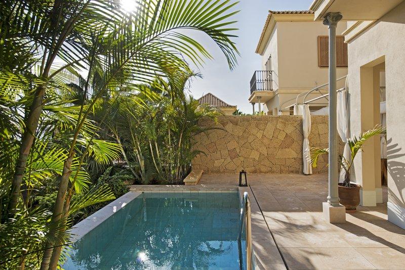 Gran Hotel Bahia del Duque-Villa Las Retamas<br/>Image from Leonardo