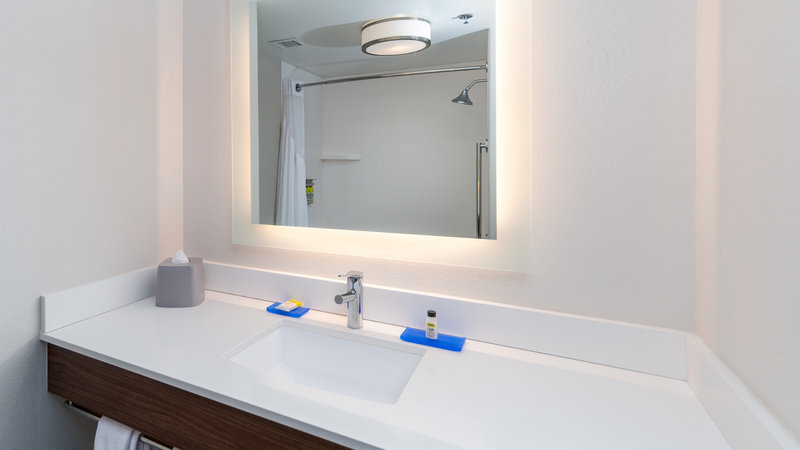 Holiday Inn Express & Suites Dinuba West-Guest Bathroom<br/>Image from Leonardo